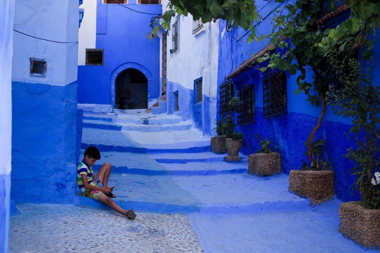 Calle azúl de Chefchaouén, Marruecos.