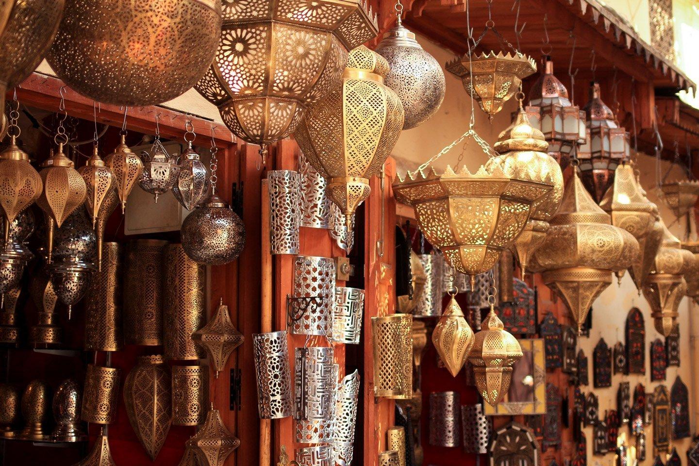 Lámparas en medina de Fez, Marruecos.