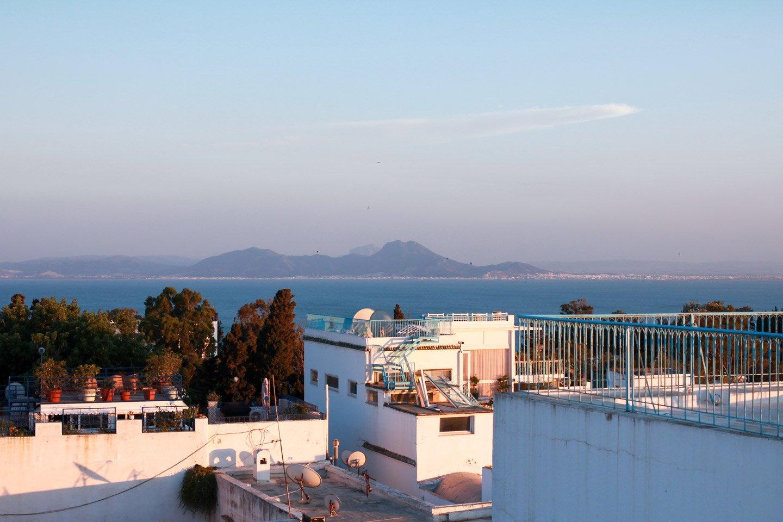 Atardecer desde los techos de Sidi Bou Said.