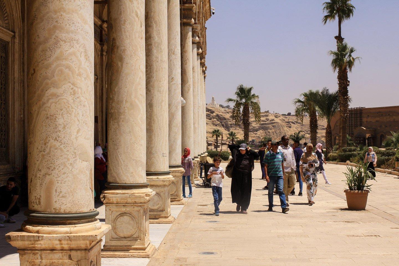 Caminando en la Ciudadela de El Cairo.